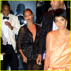 jay-z-leaves-separately-from-beyonce-solange2